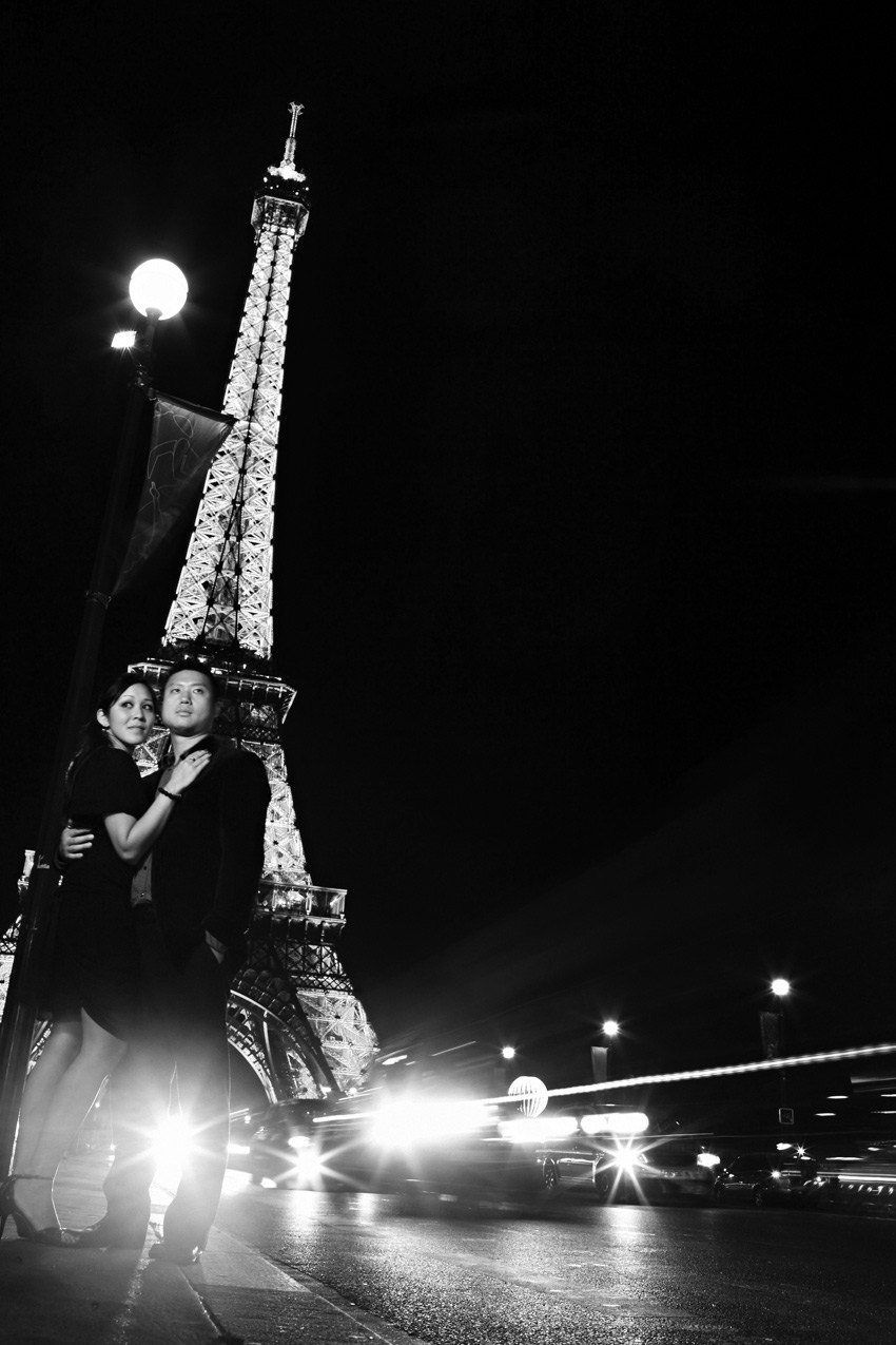 eiffel_tower_night_paris_engagement_shoot_tiff_albert_14.jpg