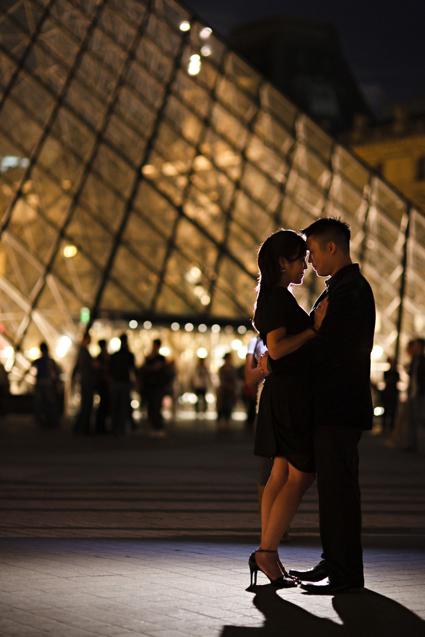louvre_museum_nigt_paris_engagement_shoot_tiff_albert_10.jpg