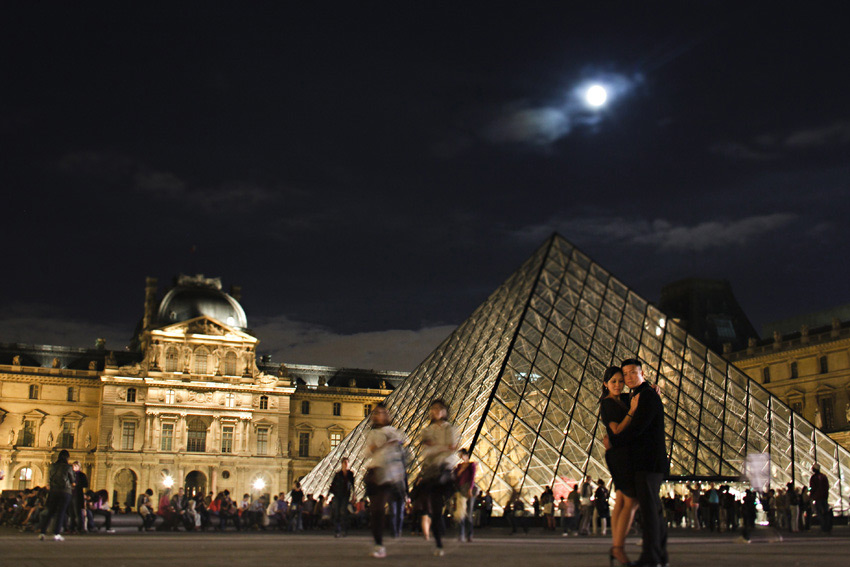 louvre_night_paris_engagement_shoot_tiff_albert_11.jpg