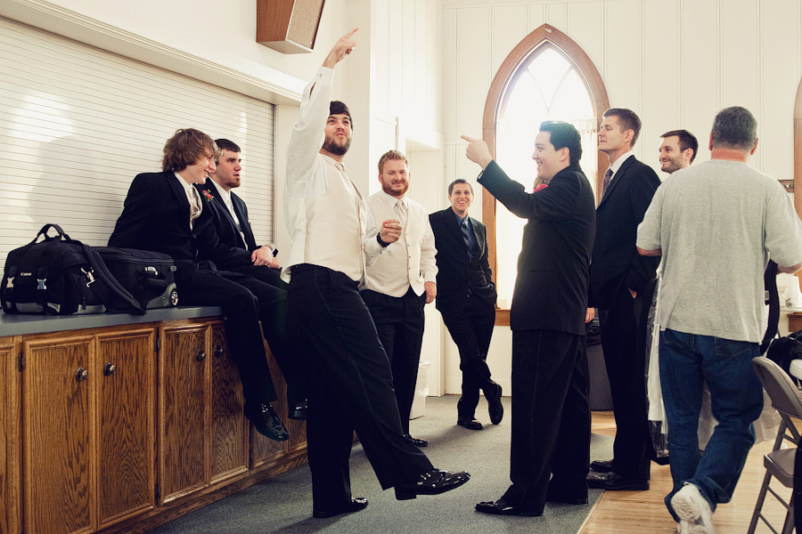 schulenburg wedding photographer, weimar wedding photographer, table 4 weddings photography, groomsmen getting ready