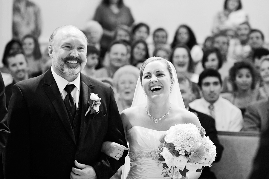 schulenburg wedding photographer, weimar wedding photographer, table 4 weddings photography, father of the bride, laughter, church wedding ceremony images