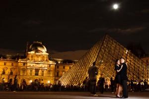 paris france louvre engagement night time photo
