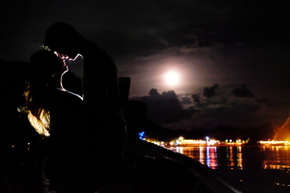 railay beach thailand moonlit photo by Jason Huang, Table4.