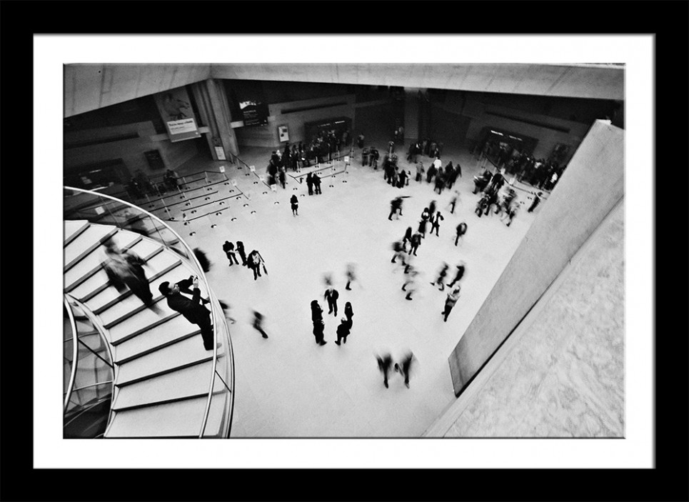 louvre-black-frame by Table4 Photography.