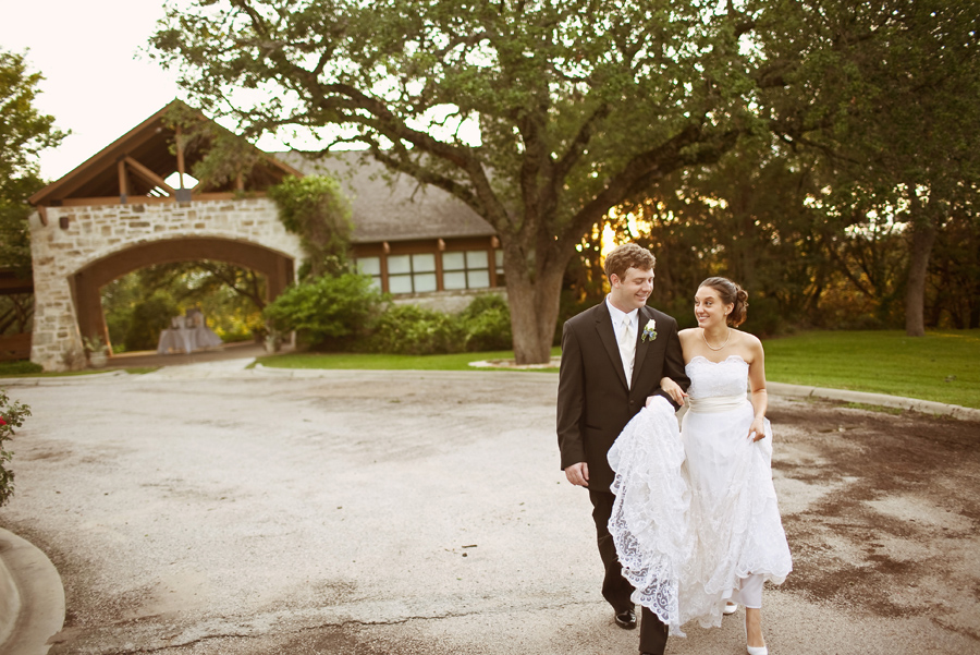 balcones springs sunset wedding image, marble falls wedding picture, table4 photography in austin