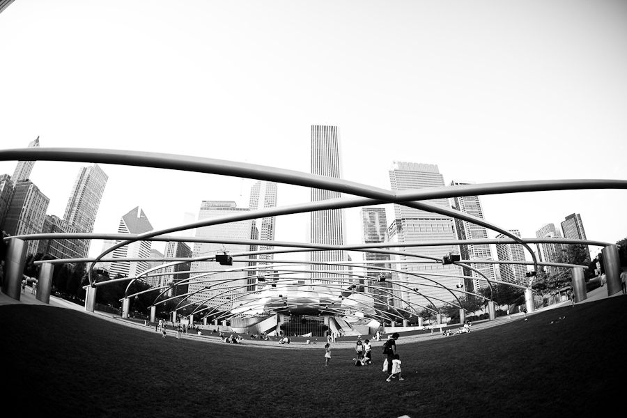 chicago wedding photographer, table 4 weddings photography, Jay Pritzker Pavilion, millennium park