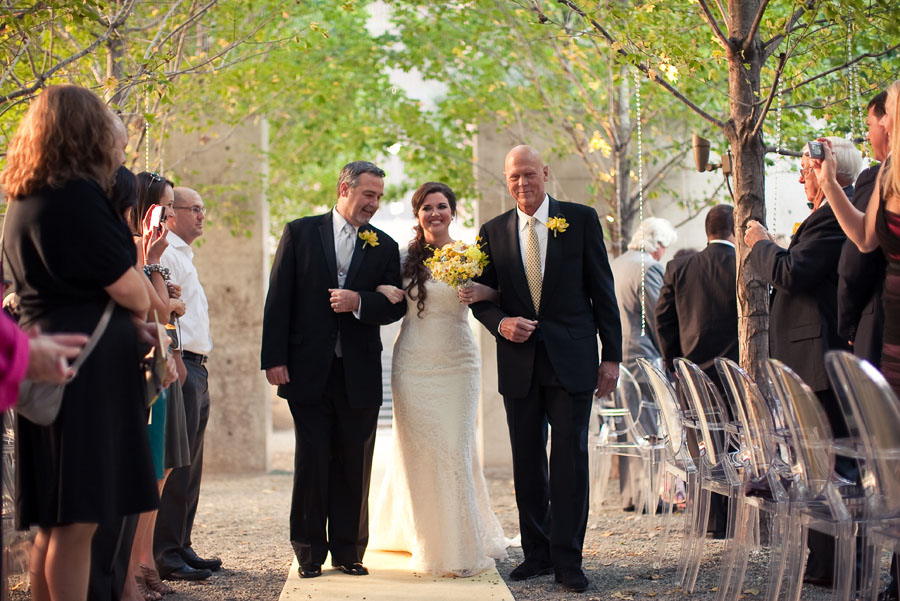 classy luxury outdoor wedding at beck park dallas by table4 wedding photography