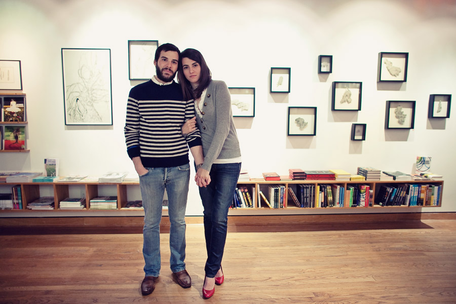 fun, chic engagement photos at domy books houston by dallas wedding photographer table4
