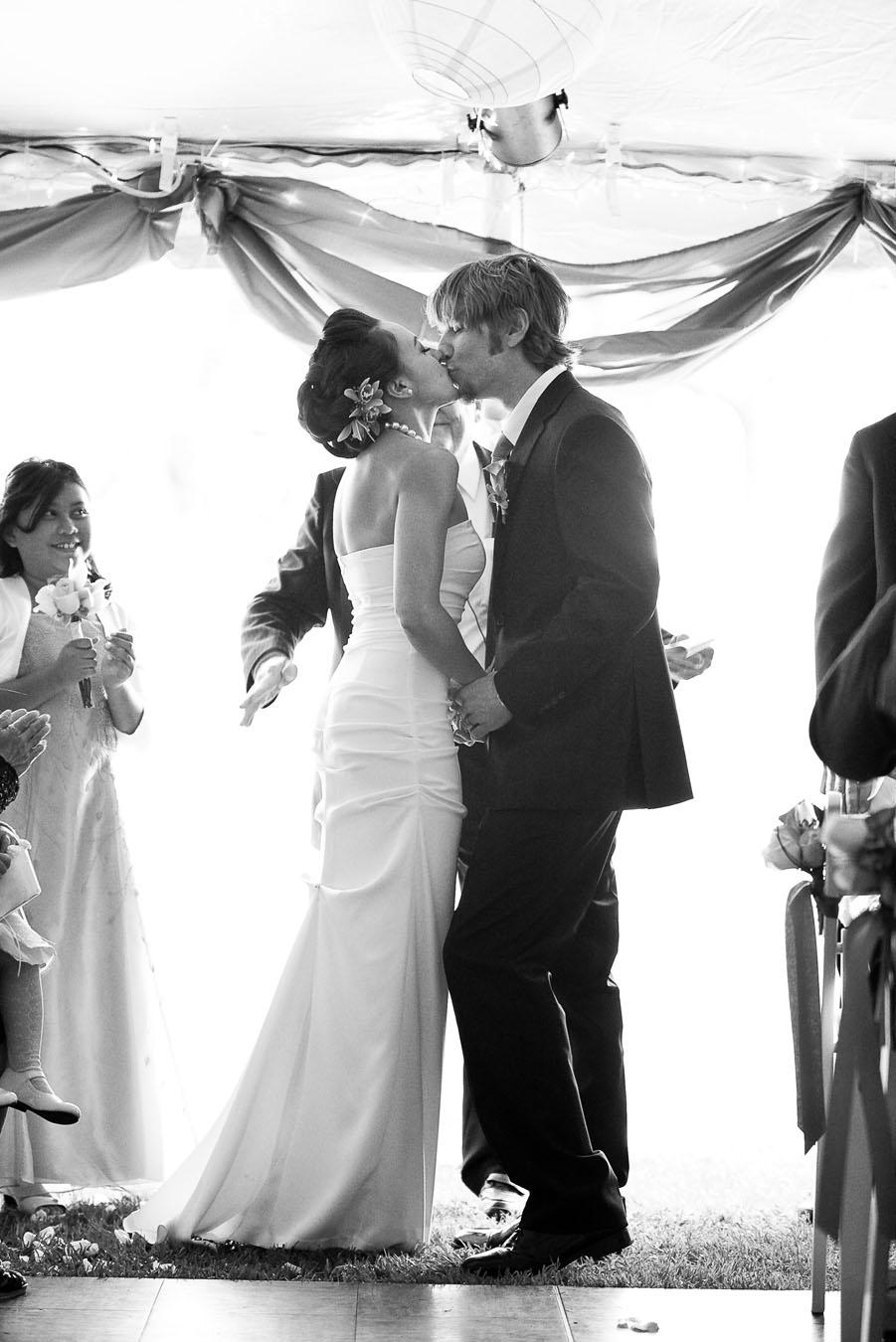 outdoor lakeside wedding at hacienda del lago in austin texas by dallas wedding photographer table4