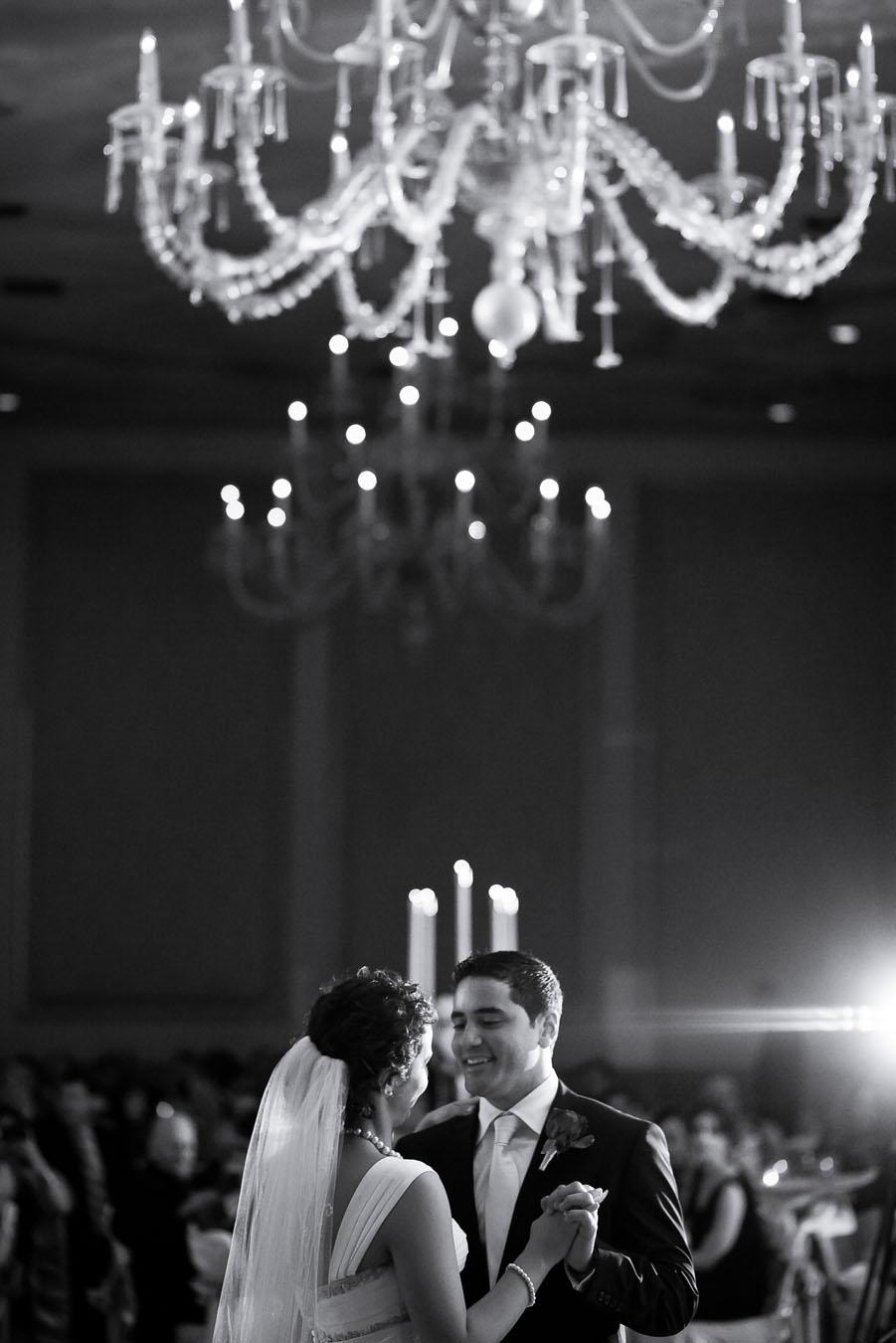 adolphus hotel dallas wedding photographs by dallas photographer table4