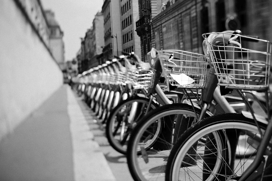 paris bike rentals