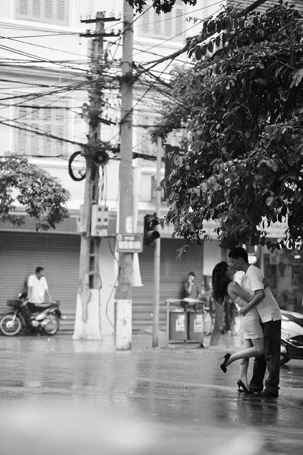 hanoi vietnam engagement session photo