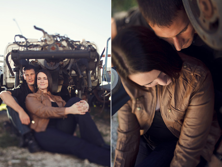 jeep junkyard engagement photo