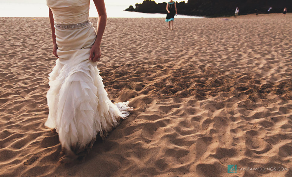 vera wang trash the dress, black rock maui wedding jump photography, maui wedding photography