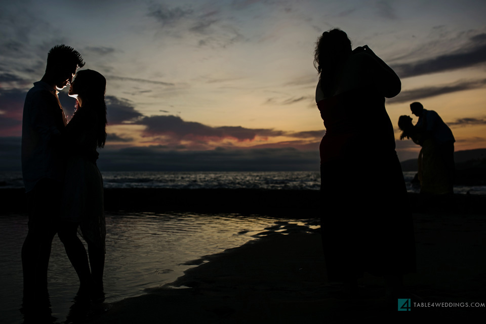 027 table4 best of 2013 engagement photos laguna beach waves at sunset