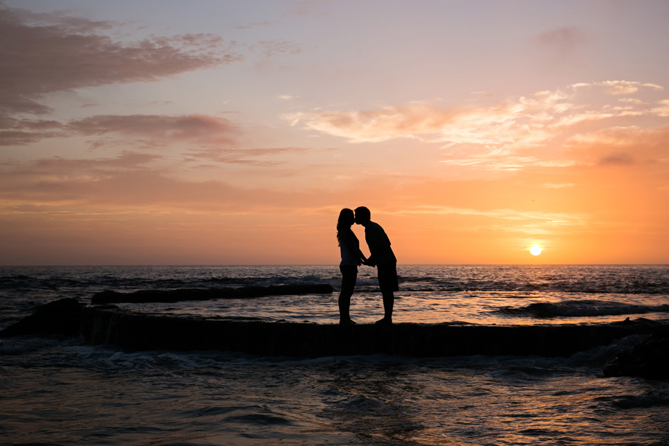 sunset laguna beach engagement photo, southern california wedding photographer jason huang