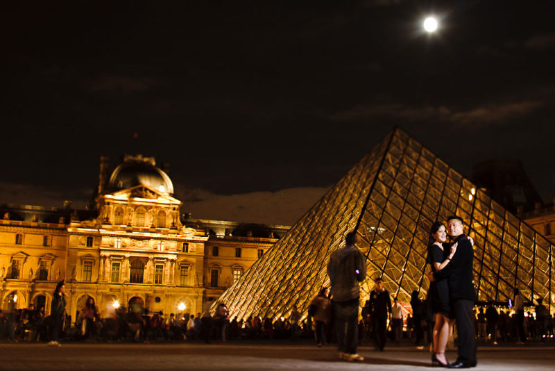 paris france louvre engagement night time photo