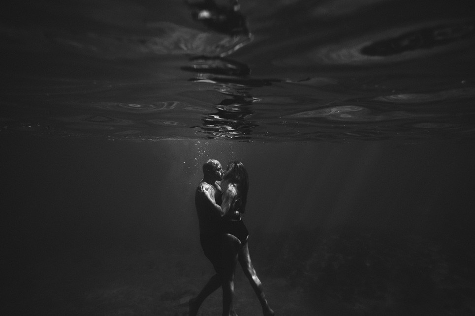 about table4 weddings jason and kim le, shannon and clinton wedding, jamaica wedding photography, underwater wedding images, underwater engagement photo